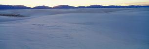 砂漠 ホワイトサンズ国定記念物の写真素材 [FYI03347158]