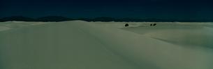 砂漠 ホワイトサンズ国定記念物の写真素材 [FYI03347173]
