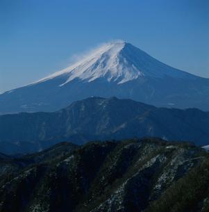 白谷丸から望む快晴の富士山の写真素材 [FYI03347799]