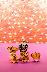 寅の郷土玩具 ほえ虎の写真素材 [FYI03347905]