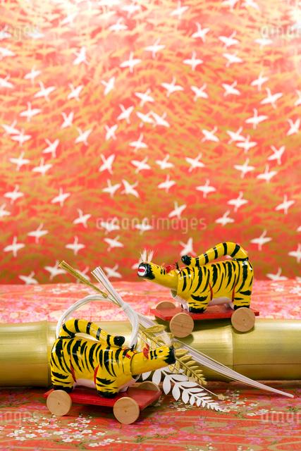 寅の郷土玩具 浜松張子の写真素材 [FYI03347908]