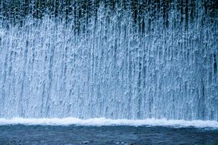 水のカーテンの写真素材 [FYI03348830]