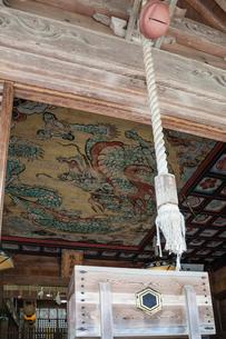 城上神社の鏡天井の写真素材 [FYI03349313]