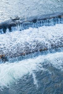 小川のせせらぎの写真素材 [FYI03349358]