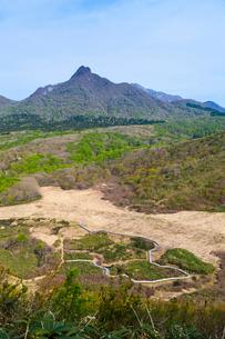 烏ヶ山と鏡ヶ成湿原の写真素材 [FYI03349838]