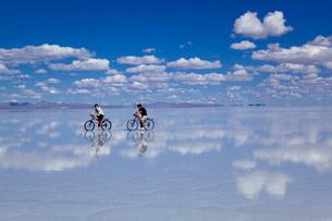 ウユニ塩湖の写真素材 [FYI03350415]
