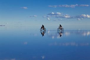 ウユニ塩湖の写真素材 [FYI03350466]