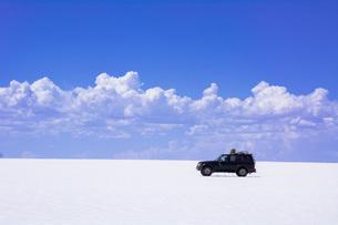 ウユニ塩湖の写真素材 [FYI03350621]