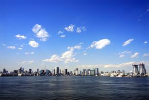 東京湾とビルの写真素材 [FYI03351301]