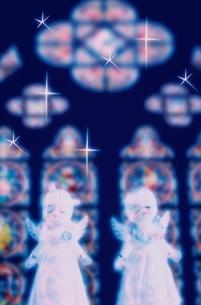 エンジェルと星空の写真素材 [FYI03351532]