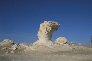 砂漠の岩の写真素材 [FYI03353423]