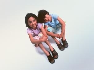 外国人の姉妹の写真素材 [FYI03353509]