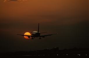 飛行機の写真素材 [FYI03353896]