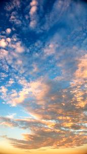 朝焼けの空の写真素材 [FYI03353946]