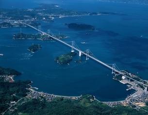 大島上空の来島大橋の空撮 吉海町 愛媛県の写真素材 [FYI03354098]