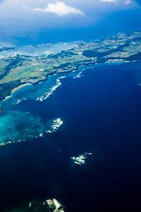 旅客機から宮古島の写真素材 [FYI03355865]
