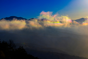 彩雲と八ヶ岳連峰の写真素材 [FYI03356015]