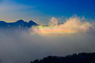 彩雲と八ヶ岳連峰の写真素材 [FYI03356017]