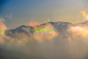 彩雲と八ヶ岳連峰の写真素材 [FYI03356021]