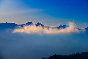 彩雲と八ヶ岳連峰の写真素材 [FYI03356030]