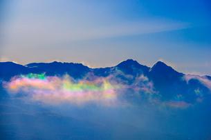 彩雲と八ヶ岳連峰の写真素材 [FYI03356064]