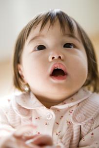 11ヶ月の女の赤ちゃんの写真素材 [FYI03356617]