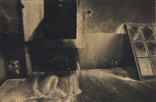 透ける日本人女性 セピアの写真素材 [FYI03358203]