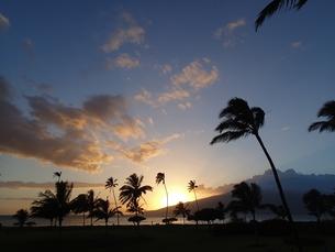 海辺の夕景の写真素材 [FYI03358299]