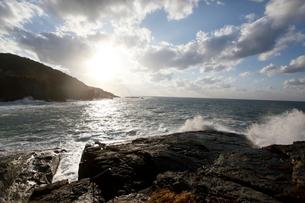 日本海の波の写真素材 [FYI03358473]