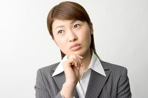 日本人ビジネスウーマンのポートレイトの写真素材 [FYI03361482]