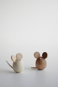 ネズミの置物の写真素材 [FYI03362287]