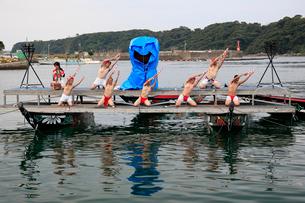 日本遺産「鯨とともに生きる」のくじら踊りの写真素材 [FYI03363129]