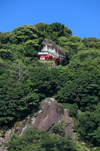 神倉神社とゴトビキ岩の写真素材 [FYI03363144]