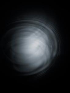 波紋のイメージの写真素材 [FYI03363421]