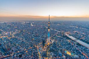 東京スカイツリーライトアップ,空撮の写真素材 [FYI03363545]