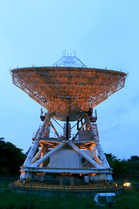 国立天文台VERA小笠原観測局 天文広域精測望遠鏡の写真素材 [FYI03363672]