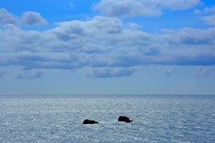 輝く海と雲の写真素材 [FYI03364147]