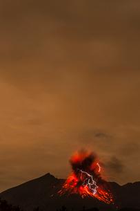桜島の火山雷の写真素材 [FYI03364550]