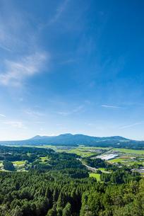 霧島連山と加久藤盆地2の写真素材 [FYI03364631]
