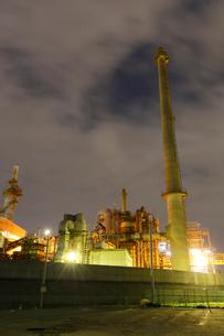 夜の富士工場夜景の写真素材 [FYI03364678]