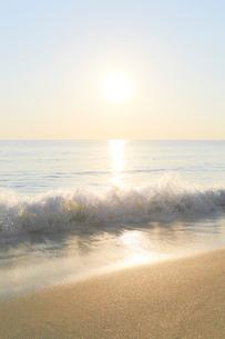 朝日と海の写真素材 [FYI03364767]