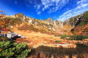秋の中央アルプス,千畳敷カ-ル剣ヶ池の写真素材 [FYI03364808]