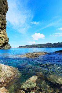 小笠原諸島父島・宮の浜から兄島を望むの写真素材 [FYI03364867]