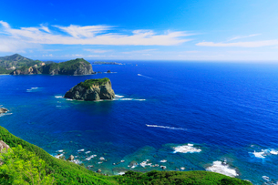 小笠原諸島父島・ウェザーステーションより烏帽子岩を望むの写真素材 [FYI03364917]