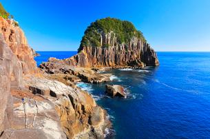 快晴の楯ヶ崎と熊野灘の写真素材 [FYI03365021]