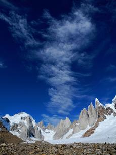 パタゴニア南部氷原から望むセロトーレ峰の西壁の写真素材 [FYI03365140]