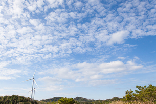 沖縄北部 風力発電所の写真素材 [FYI03365345]