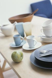 テーブル上の食器の写真素材 [FYI03368407]