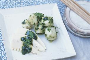 筍と里芋の山椒味噌和えの写真素材 [FYI03368586]