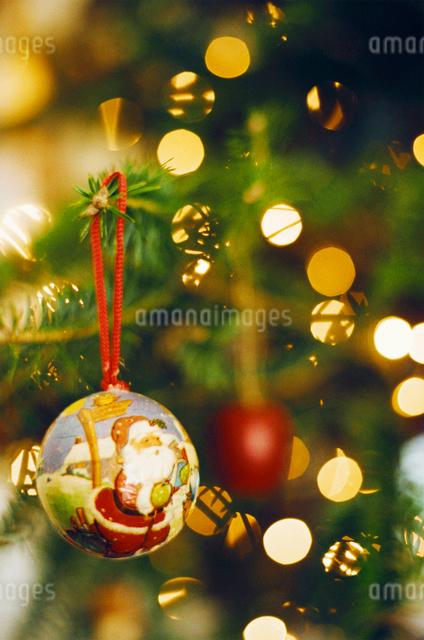 クリスマスのオーナメントの写真素材 [FYI03369200]